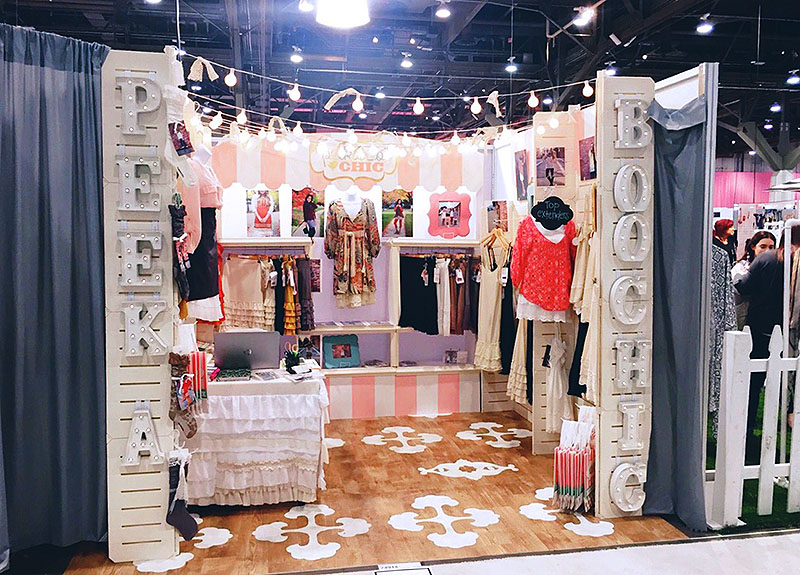 GOGO Panels - Peekaboo Chic Booth-1