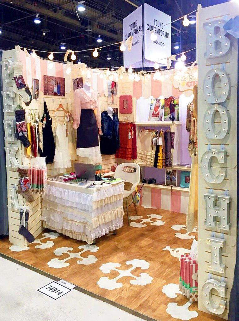 GOGO Panels - Peekaboo Chic Booth
